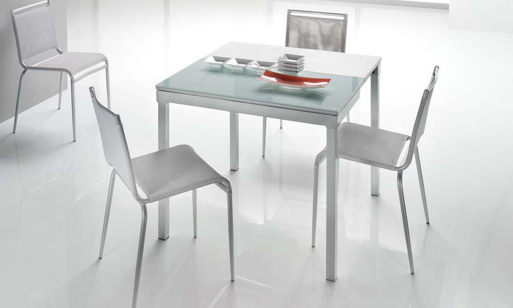 Tavoli da cucina moderni for Tavoli e sedie per cucina