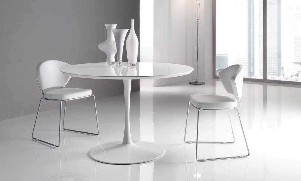 Tavoli da cucina moderni - Dimensioni tavolo tondo 4 persone ...